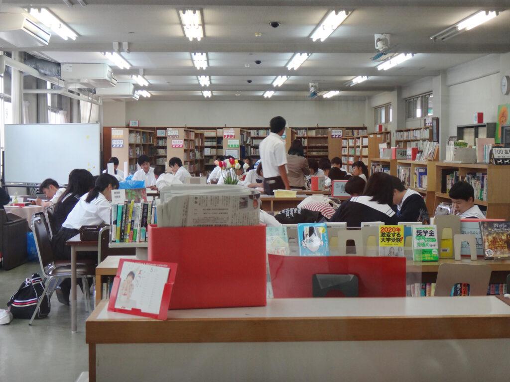 図書室写真2
